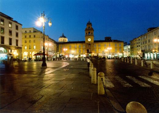 Parma_PiazzaGaribaldi_ph Carra