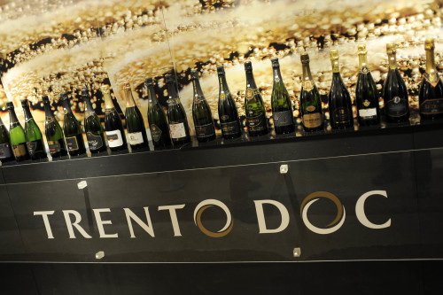 Palazzo RoccabrunaBollicine su Trento - TrentodocBottiglia26 novembre 2010Archivio CCIAA TN © Romano MagroneDIG collezione TrentodocRCC